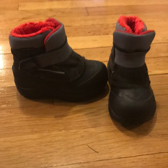 8ee341459 North face Snow toddler boots